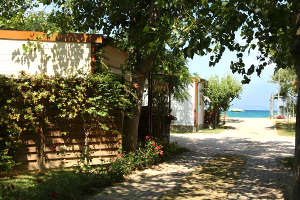 Bungalow sul mare al Pineto Beach Village & Camping