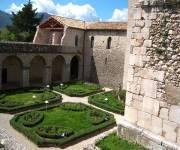 abbazia-del-goleto-giardini-interni