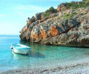 villaggio_la_francesca_spiaggia_barca