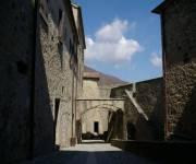 castello_di_bardi_botteghe_stalle_magazzini