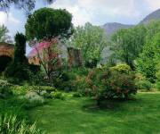 parco_naturale_giardino_di_ninfa_prati