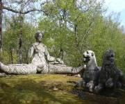 sacro-bosco-di-bomarzo-sirene-nel-bosco