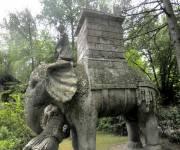 sacro-bosco-di-bomarzo-elefante