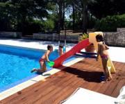 casavacanza_trullallegro_bimbi_piscina
