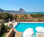 appartamenti-cala_dell_arena_piscina_vista_mare
